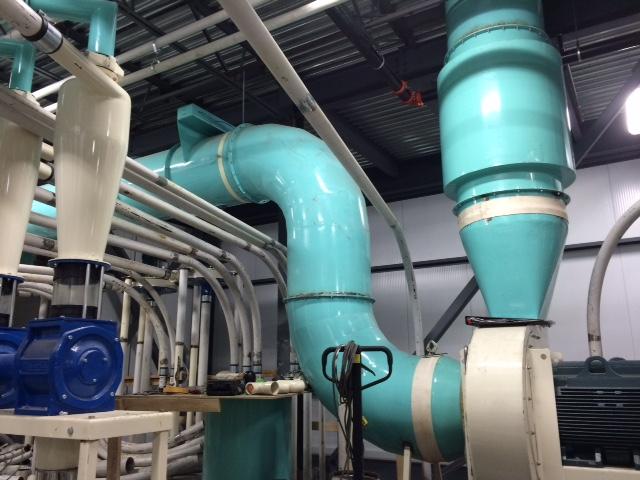 Le Groupe LML   Tuyaux turquoises dans une usine alimentaire
